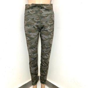 JustFab Active Athletic Leggings Pants Camo Yoga M